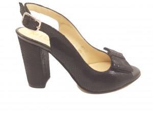 Sandale damă negre decupate din piele naturală