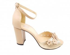Sandale elegante nude cu auriu din piele naturală cu flori aplicate