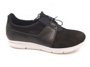 Pantofi sport negri cu șiret, din piele întoarsă