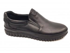 Pantofi slip-on negri din piele naturală In Tempo