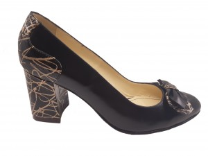 Pantofi damă eleganți, negri cu detalii aurii, din piele naturală
