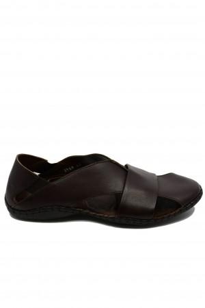 Sandale maro bărbați cu design modern și talpa cusută