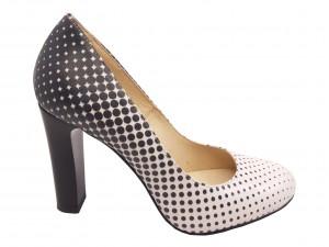 Pantofi eleganți din piele naturală, albi cu buline negre