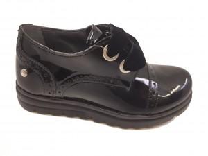 Pantofi Oxford fete negri din lac
