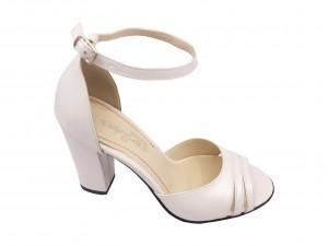 Sandale elegante alb sidefat din piele naturală